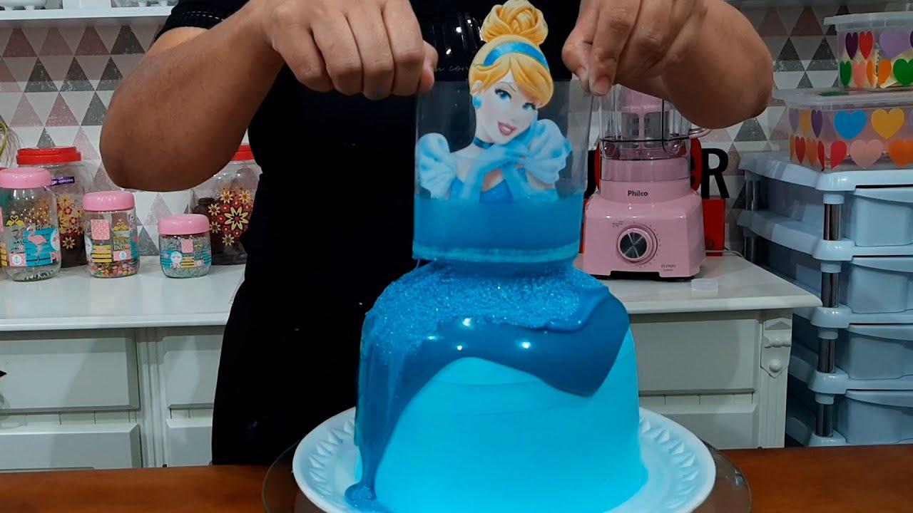 PULL ME UP CHARACTER CAKE / PUXA-ME O BOLO DE PERSONAGEM / PARIS CAKE DESIGNER