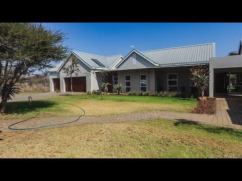 4 Bedroom House for sale in Limpopo   Polokwane Pietersburg   Bendor   259 Marlothii St  