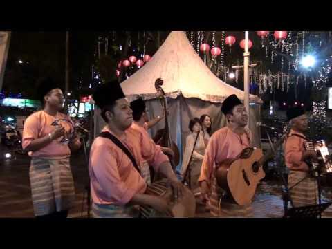 Kuala Lumpur, Malaysia - Street Performers HD (2012)