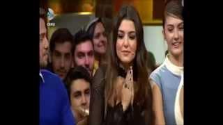 Beyaz Show'da Tolga Sarıtaş'tan Hande Erçel taklidi!