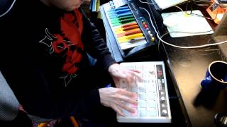 Live finger drum and keyboard routine with Massive synth pad and Korg PadKontrol