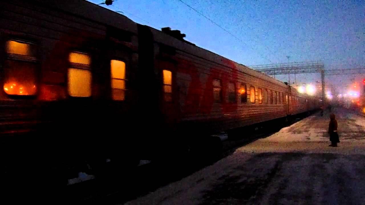 В поезде Уфа – Новый Уренгой вахтовик набросился на человека с ножом   720x1280
