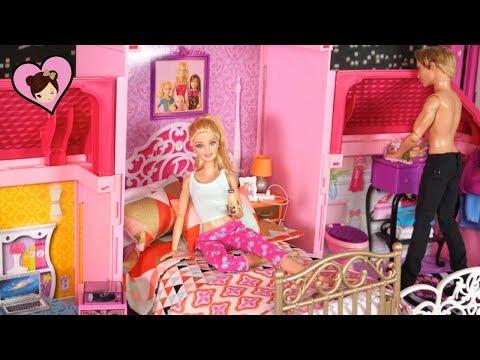Barbie & Ken Dollhouse Morning Routine - Fashion Designer Barbie Careers