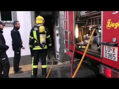 Así apagaron los bomberos el fuego en Pardo de Cela