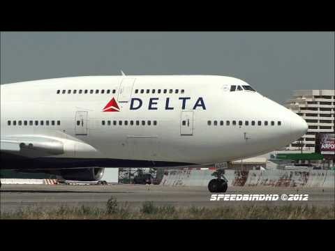 Delta Airlines Boeing 747-451s Landing and Takeoff From Los Angeles