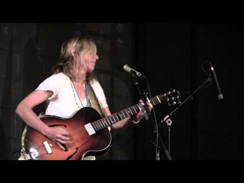 Amy Cook - It's Gonna Rain - Live at McCabe's