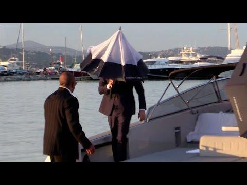 EXCLUSIVE - Toni Garrn and a shy Leonardo DiCaprio arrive at Port Cogolin