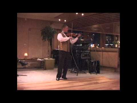 """THE LIVELIEST CAN-CAN VIOLIN PERFORMANCE I""""VE EVER SEEN"""