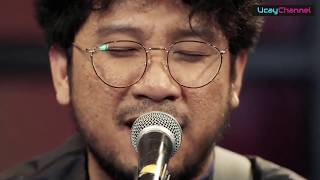 Kunto Aji - Topik Semalam  Live Accoustic