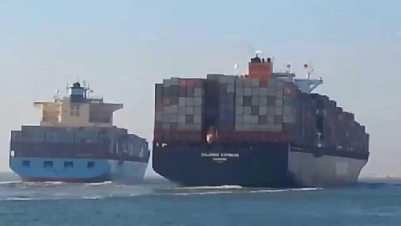 Collision entre deux bateaux porte conteneurs dans le for Porte conteneur