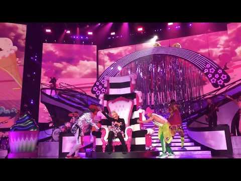 Gwen Stefani  Wind It Up  in Las Vegas, NV  6292018
