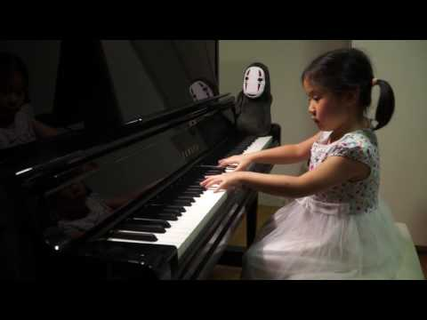 Anke Chen_Age 5_Plays Mozart Piano Sonata No 12 in F, K 332