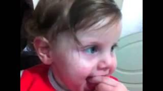 Kısa komik bebek videoları