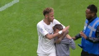 أكثر اللحظات العاطفية والإنسانية في كرة القدم ..... فديو مؤثر جداااً !!