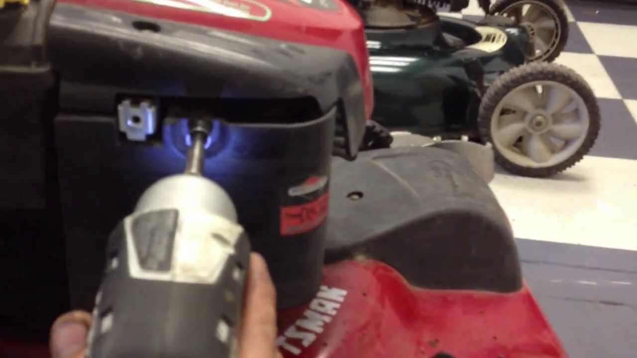 HOW TO Remove the Carburetor on a Briggs & Stratton Lawn Mower