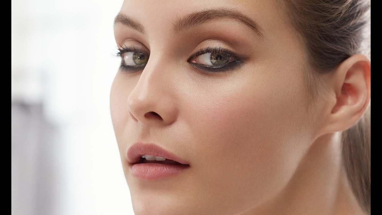 Burberry Make Up Tutorial How To Do Modern Smokey Eyes