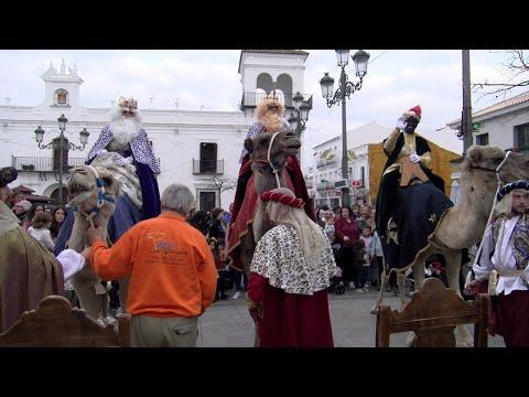 Los Reyes Magos de Oriente llegan a Cartaya en camellos