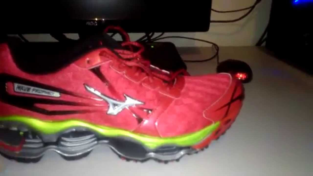 best website eb87c 7d00b COMPARAÇÃO MIZUNO PROPHECY 2 ORIGINAL X REPLICA