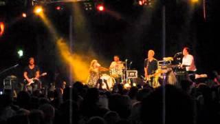 Kaija Koo - Kaunis, rietas, onnellinen (live)