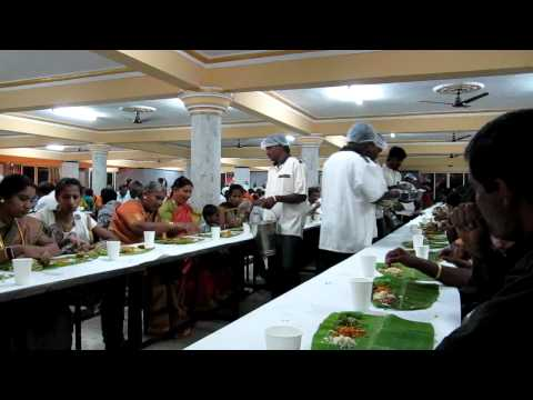 Food At An Indian Wedding In Bangalore Mov Youtube