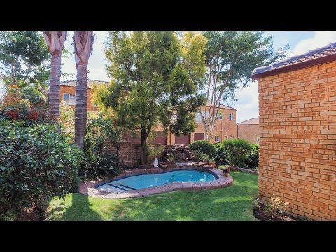 3 Bedroom Townhouse for sale in Gauteng | Johannesburg | Roodepoort | Honeydew Manor |  |