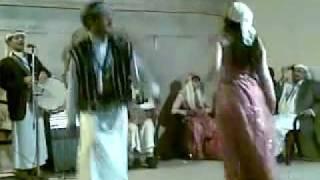 بنت الرئيس اليمني علي عبدالله صالح ترقص رقص صنعاني