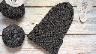 Вязаная шапка-носок