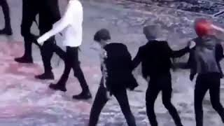 [BTS] Vmin funny moment 😂at MAMA Japan 2018