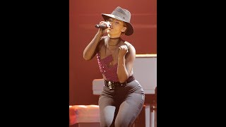 Alicia Keys NEW YORK (EXCELLENT SOLO)