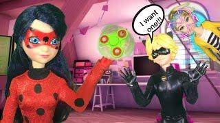 LADYBUG HAS A MINI FIDGET SPINNER!!! Chloe gets Akumatized Ladybug Miraculous ladybug doll episode
