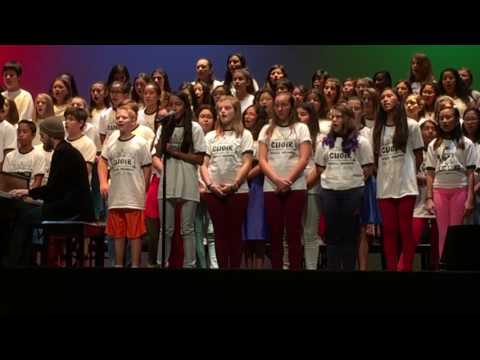 Walker Junior High School Advanced Choir (Ensembles) True Colors - (Yza's 3rd solo at exactly 1:58)