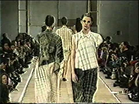 from the corporate priestess archive comme des garcons women 39 s spring summer 92 youtube. Black Bedroom Furniture Sets. Home Design Ideas