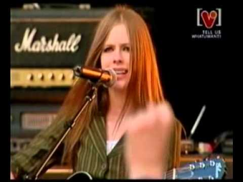 Avril Lavigne - Nobody's Fool @ Channel V 09/06/2003