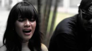 SAAT HUJAN Accoustic Version with Audrey Tapiheru