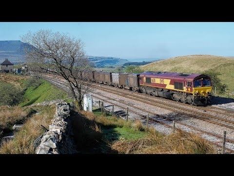 EWS 66 011 passing Blea Moor signal box with 6M20 Drax to Newbiggin gypsum train on 31st May 2013