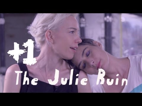 "The Julie Ruin perform ""Apt. #5"" +1"