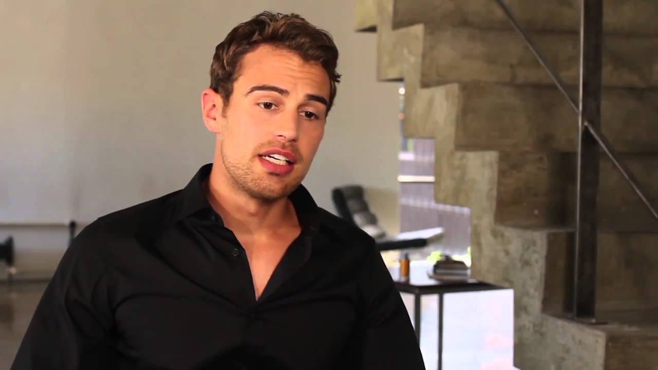 spesso Hugo Boss - BOSS The Scent / Theo James Q & A - YouTube WD29