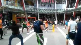 Maori versus Glee (Best Flashmob Ever)