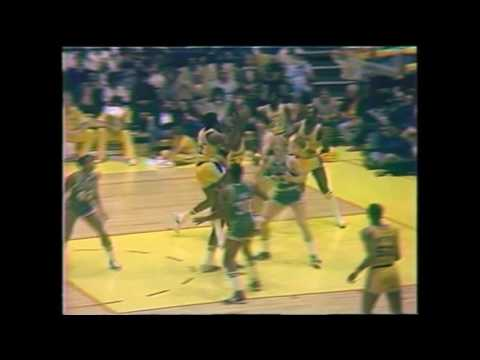 Magic Johnson Vs Larry Bird | First Ever Duel in NBA | 12.28.1979