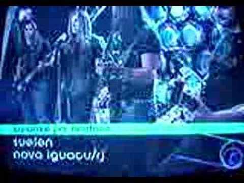 Fã cantando com o AngrA - Karaokê do Jornal da MTV