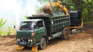 CAT 305.5E2 Mini Excavator Loading Old Dump Truck Mitsubishi Colt Diesel T200