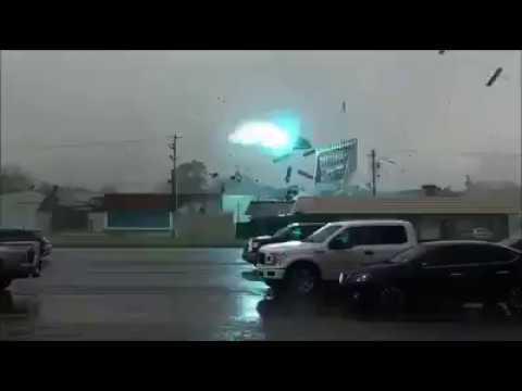 Probable tornado rips through northern Louisiana