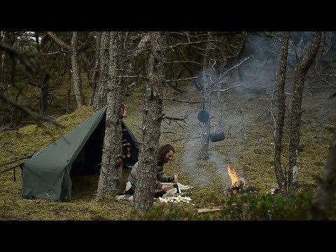 BUSHCRAFT TRIP - SWEDISH FIRETORCH, FLINT STRIKER, SLOYD, HOMEMADE AXE AND KNIFE