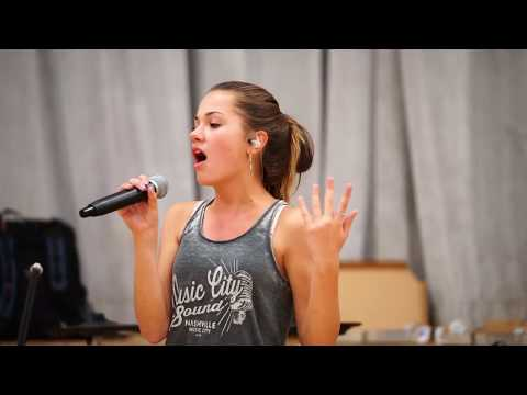 15 year old, Dancing On My Own - Calum Scott (Jessica Baio Cover)