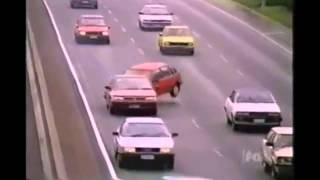 Repeat youtube video Incidenti Auto Incredibili/Amazing Car Crash Compilation