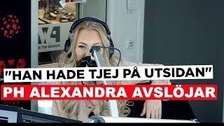 PH ALEXANDRA - HAN HADE FLICKVAN UTANFOR HUSET