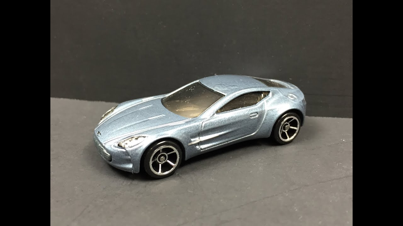 Hot Wheels Aston Martin One-77 1:64 (1080p HD) - YouTube