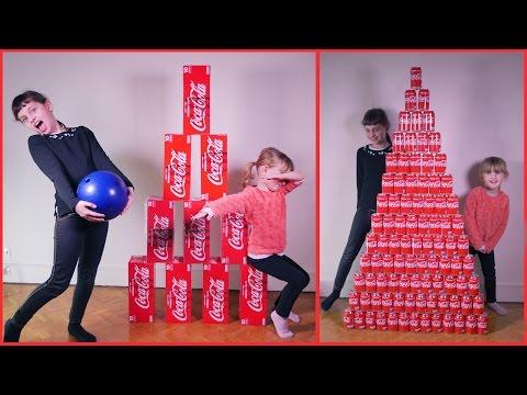 PYRAMIDE COCA COLA 100 CANETTES • On joue au bowling avec ! :) - Studio Bubble Tea unboxing