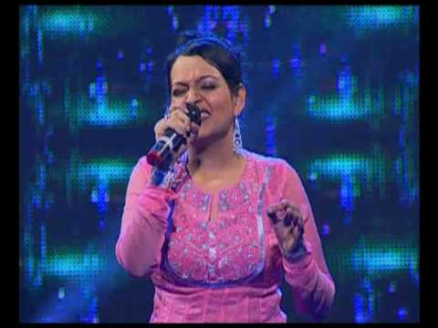 Sanai Choughade..sha na na...Jaanvee's debut in playback.wmv