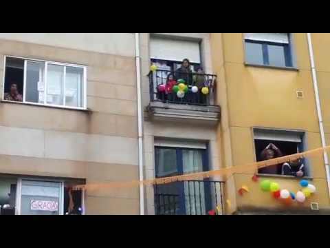 """""""¡Hola don Pepito!"""": os veciños do barrio da Residencia animan o confinamento"""